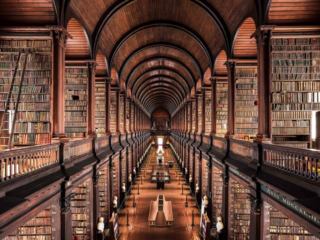 Trinity-College-Library-Dublin-1050x787