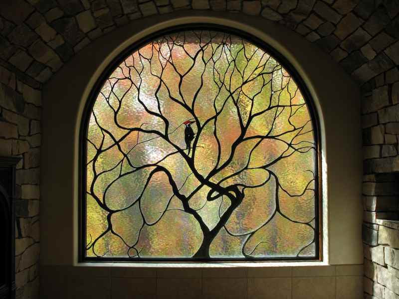 contemporary-stained-glass-woodpecker-and-tree